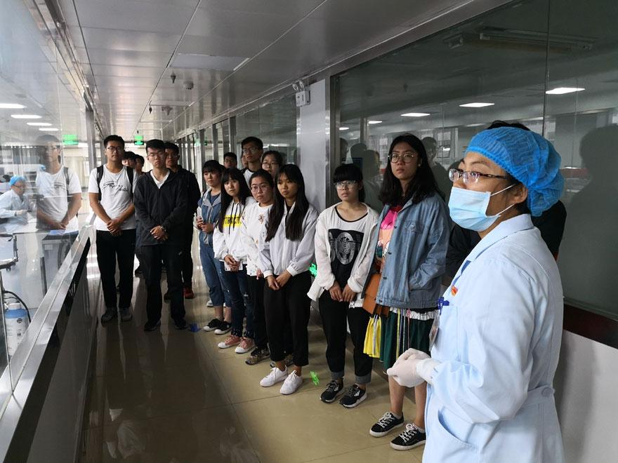 青岛理工大(临沂校区)志愿者走进血站—探寻血液之旅